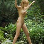 5 důvodů proč chodit občas nahý