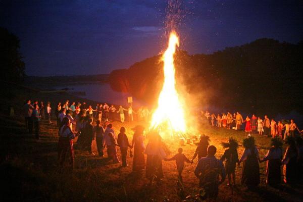 pic_K_U_Kupalo festival bonfire rituals
